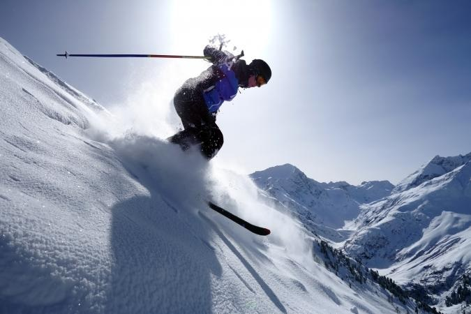 What are the health Benefits behind Skiing?