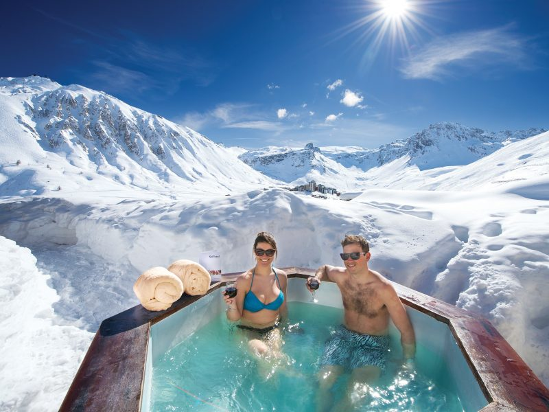 Why is Skiing Holiday Ideal for a Romantic Holiday Trip?