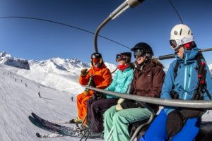 How to Survive a Skiing Holiday with Friends