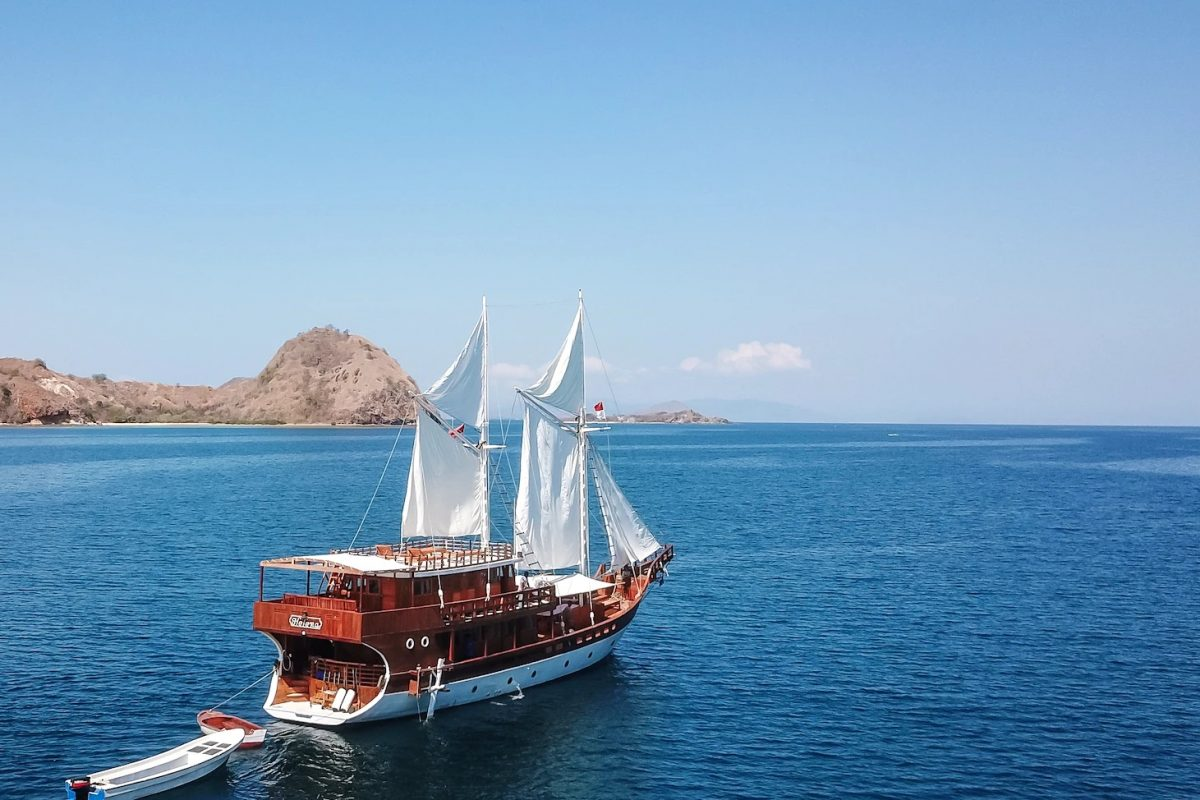 5 Things to Expect from a Komodo Cruise